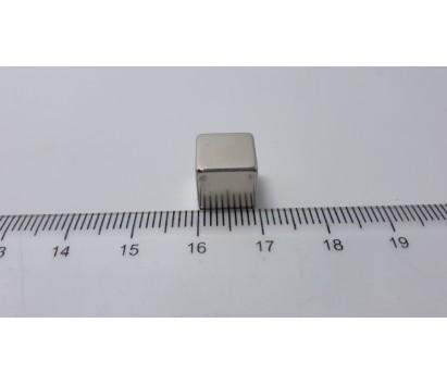 Block Super magnet ( 10 mm x 10 mm x 10 mm)