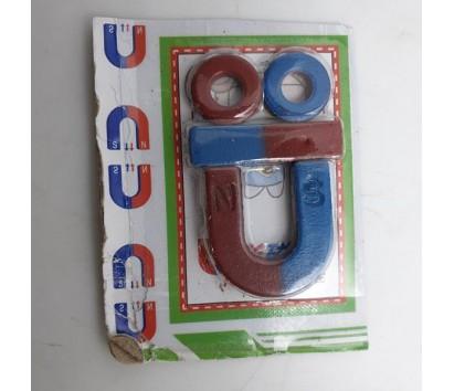 assorted magnet set